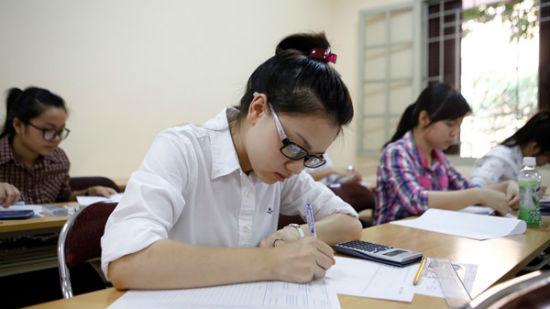 Nhiều trường cuống cuồng thi thử THPT 2015